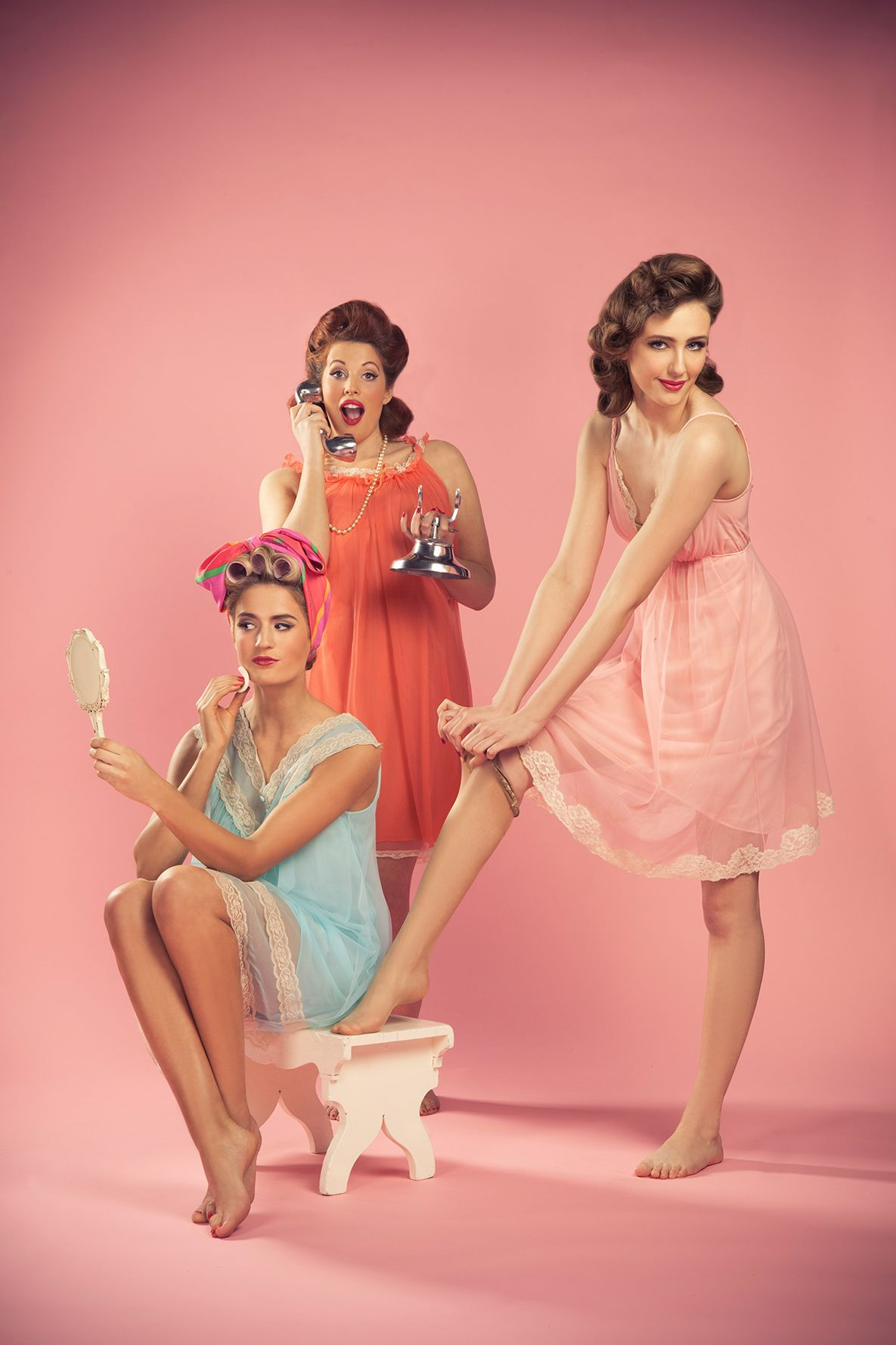 Very Vintage Style Hen Party Ideas Onefabday Com Classy Bachelorette Party Wedding Party Dresses Party Photoshoot