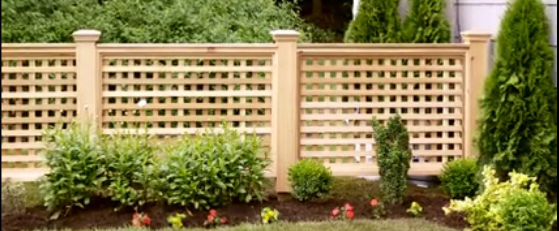 clôture en treillis   Garden Art   Pinterest   Lattice fence, Fences ...