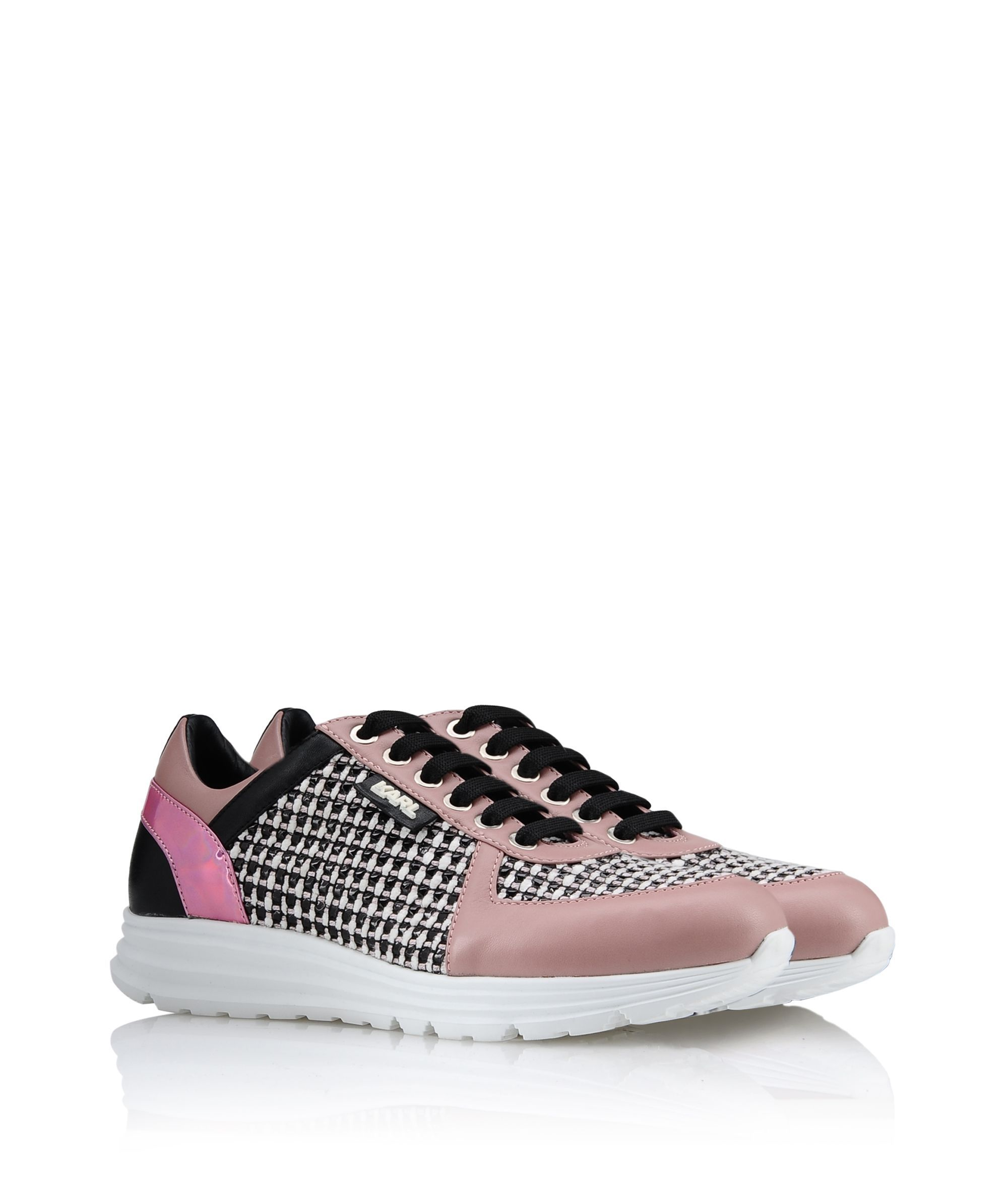 Are you looking for KARL LAGERFELD women's K/SNEAKER TWEED? Discover all the details on KARL.COM. Fast delivery and secure payment.