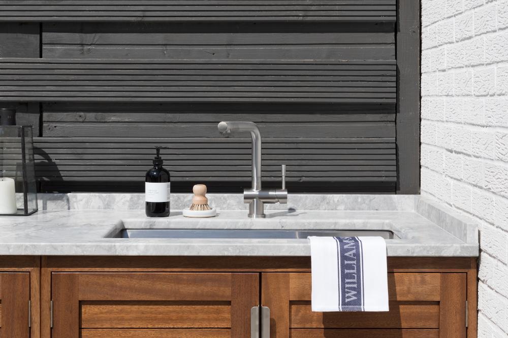 outdoor kitchen felsted showroom iroko wood quartzite stainless steel hardware on outdoor kitchen quartzite id=50864