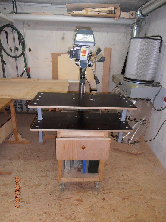 Ich habe für meine Werkstatt einige Projekte gefertigt,die Ich gerne vorstellen möchte: Fahrbarer Unterbau Radialbohrmaschine Fahrbarer Unterbau Tormek Schleifstation Kappanschlag Fetool CS 70