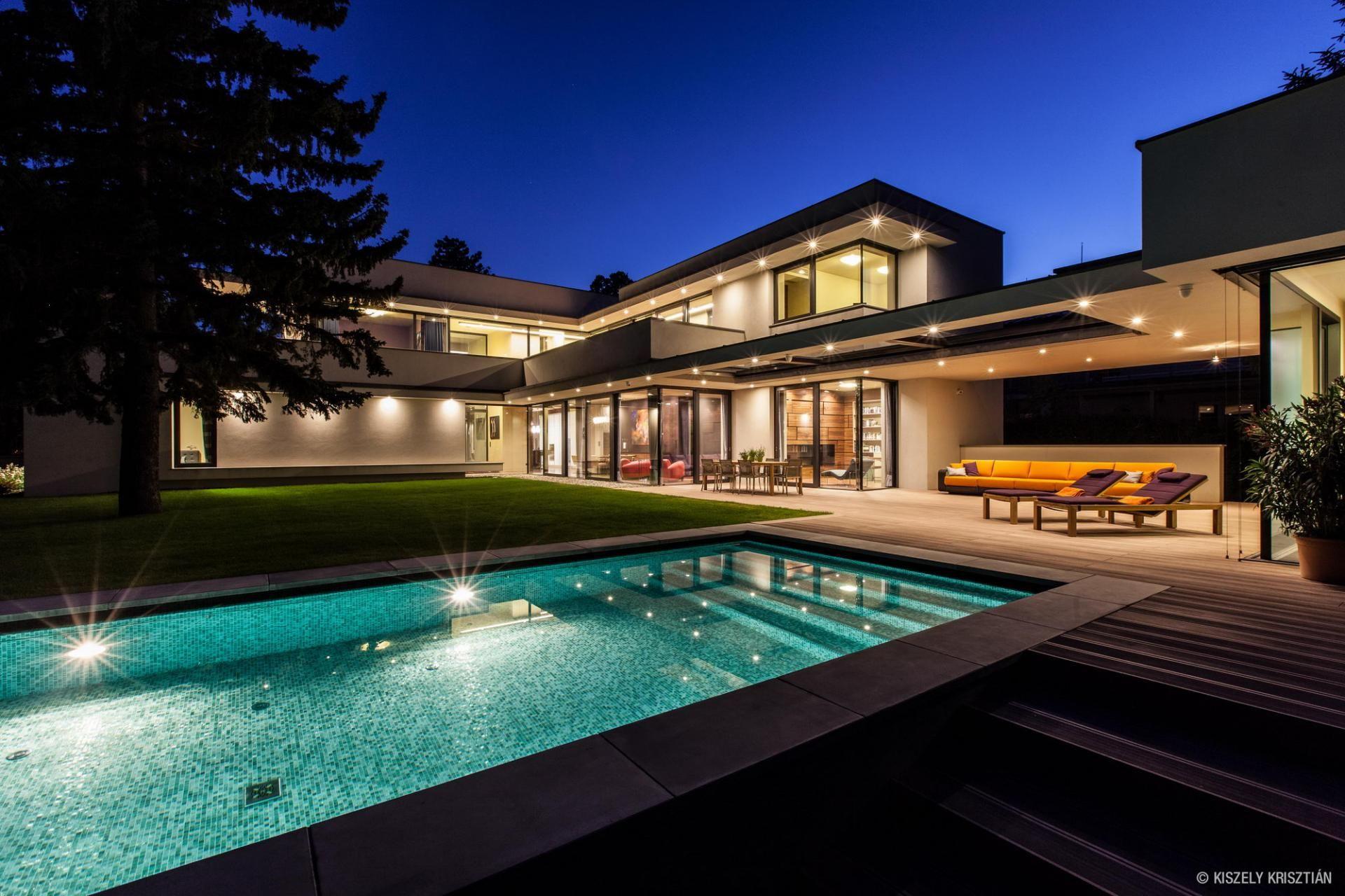 Ideas: Modern Luxury Villa: Modern Luxury Villa | Modern Houses ...