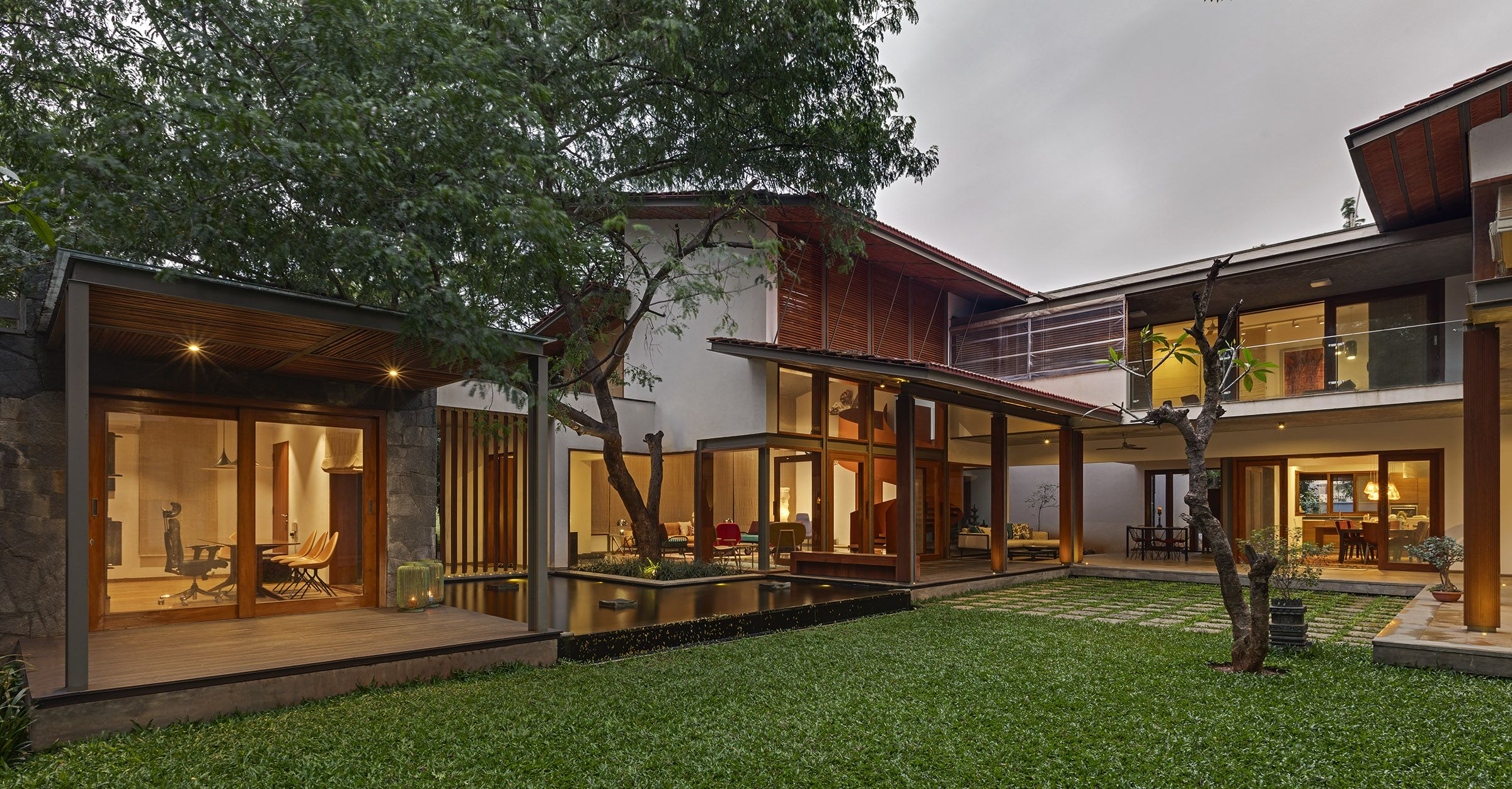 Krishnan house the 16000 sft site of the krishnan house had several existing trees and we envisioned a relatively low slung architectural expression that