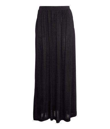 ed5186208c H&M Maxi skirt ฿ 699 | outfit | Maxi skirt black, Fashion dresses ...