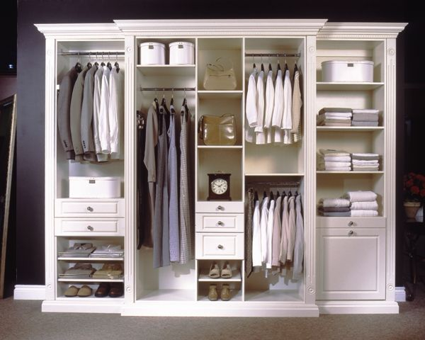 Simple Closet Design With A Lot Of Options