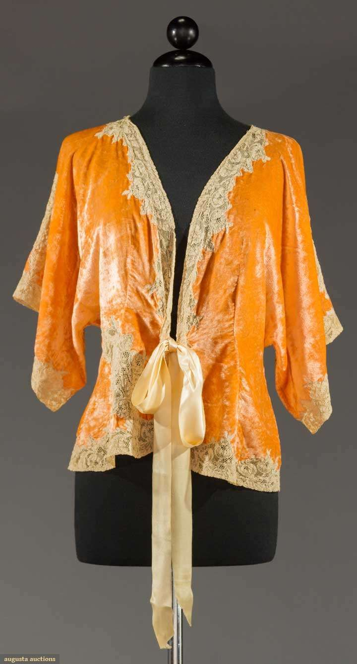 BED JACKET, EARLY 20TH C