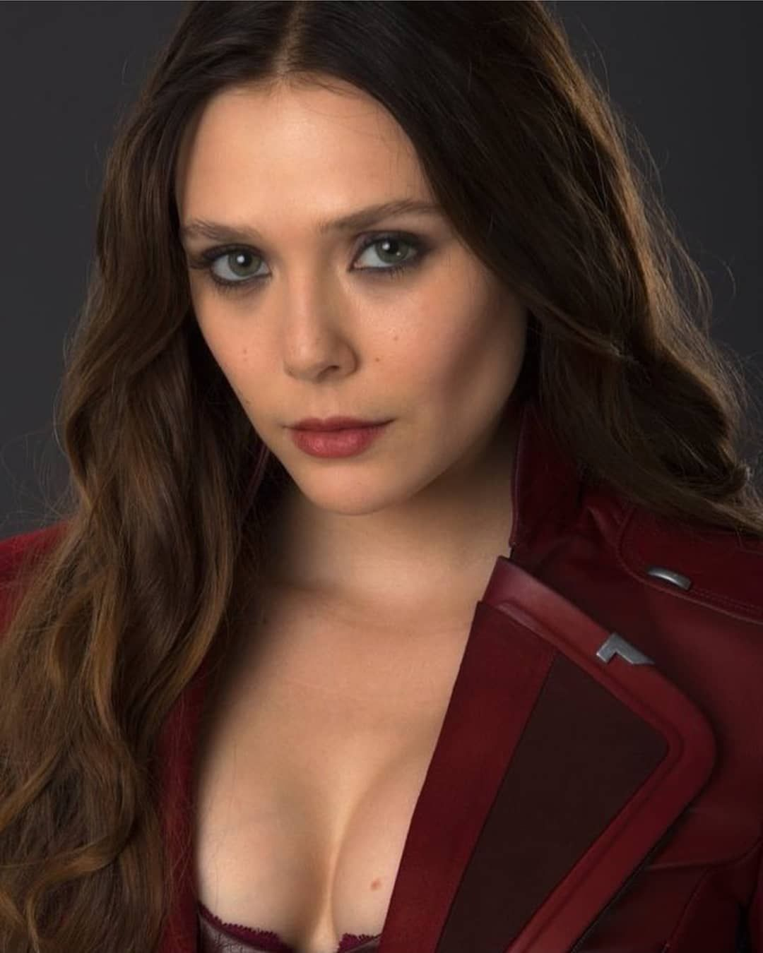 New Picture Of Scarlet Witch New Pic From Age Of Ultron Marvel Avengers Theaven Elizabeth Olsen Scarlet Witch Elizabeth Olsen Olsen Scarlet Witch