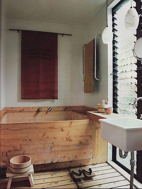 wooden tub | baignoire japonaise | Salle de bains buanderie ...