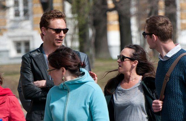 Tom Hiddleston Moscow premiere photoshoot