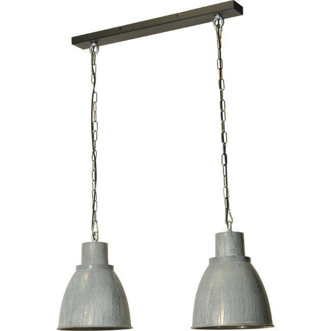 dubbele industriele hanglamp aan een balk uitgevoerd in stoer zink