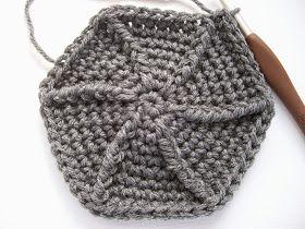 Vivre au crochet: Mon premier slouchy --- My first slouchy!!!
