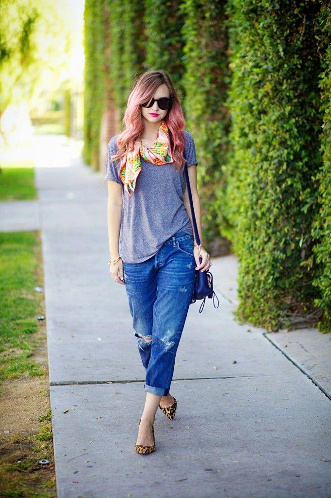 Super cute laid back look featuring adorable boyfriend jeans.