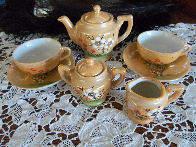 1950's Doll Dish Set-Lustreware China-9 pieces childs tea