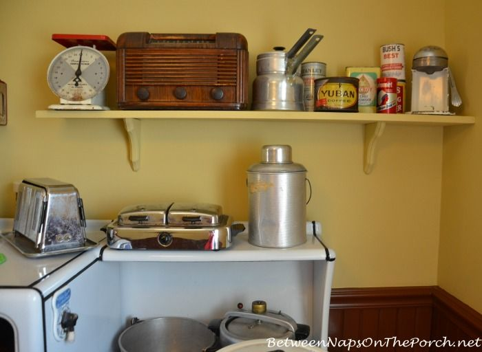 Inside The Kitchen Of A Christmas Story Movie House Christmas Story Movie A Christmas Story Old Fashioned Kitchen