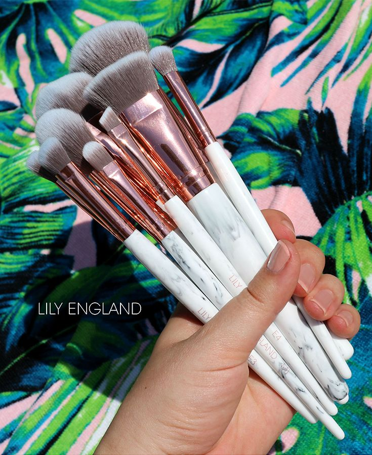 The Marble Luxe Makeup Brush Set & Case Eye brushes