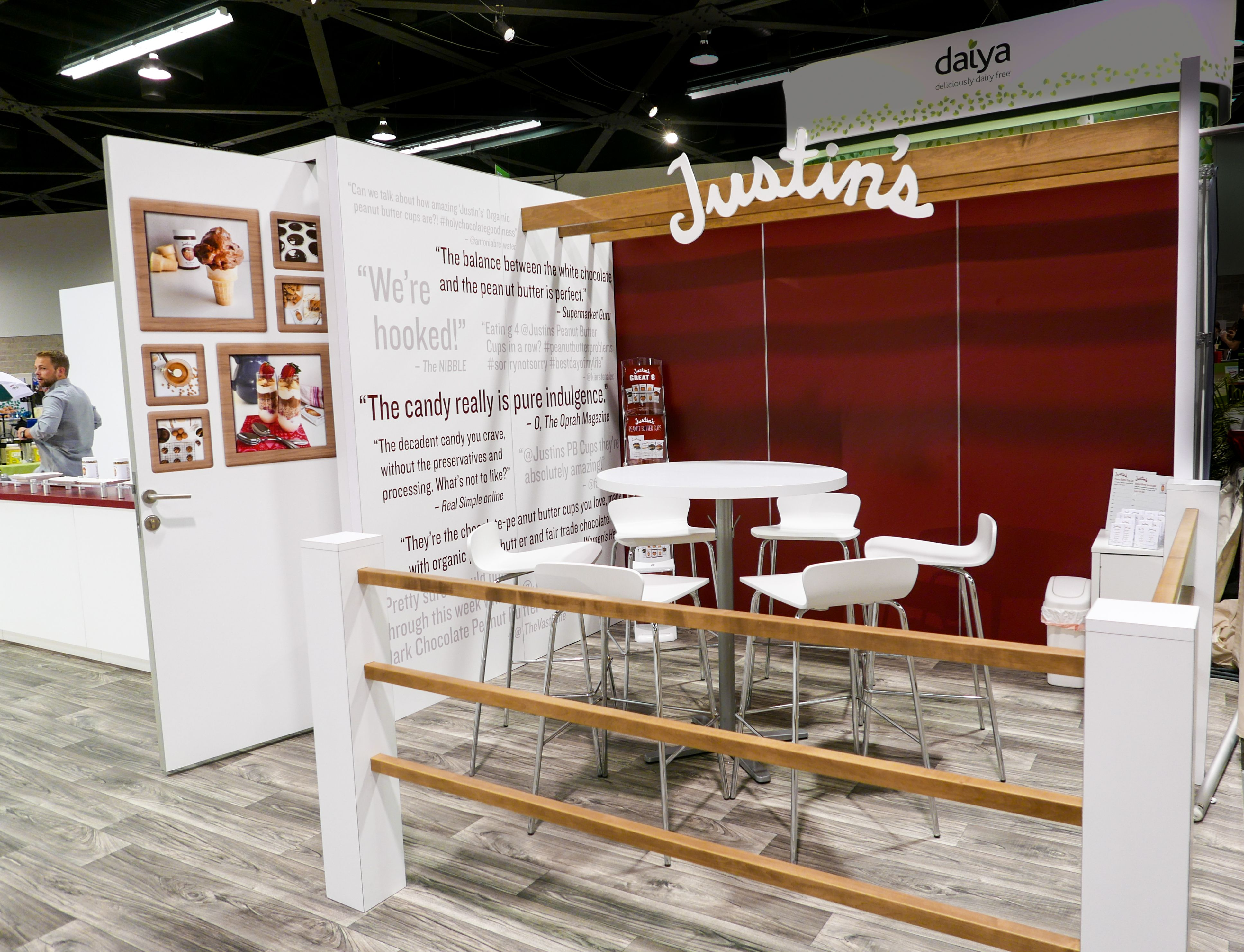 Trade Show Booth Walls : Tradeshow booth meeting space with natural wood accents