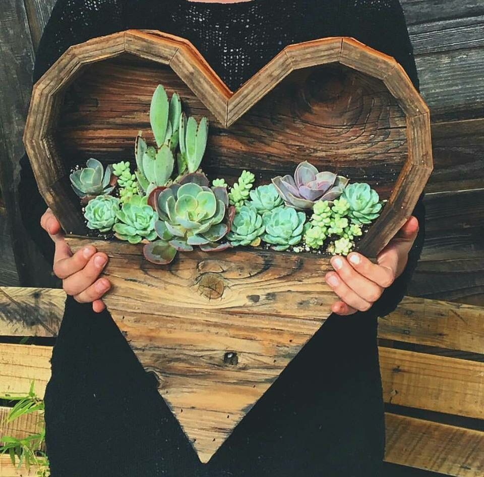 Cute Wooden Heart Planter Could Put Real Or Fake Plants In This To