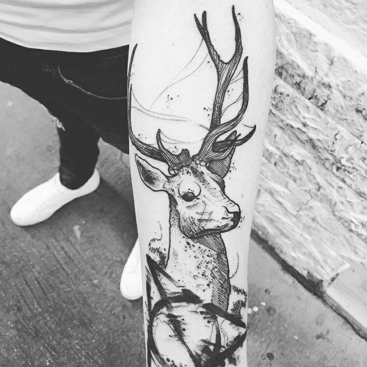 Tattoo Cerf Harry Potter Tatouages Harry Potter Drawing Tatouage