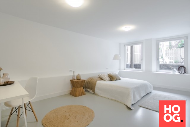 Witte luxe slaapkamer slaapkamer en gietvloer slaapkamer