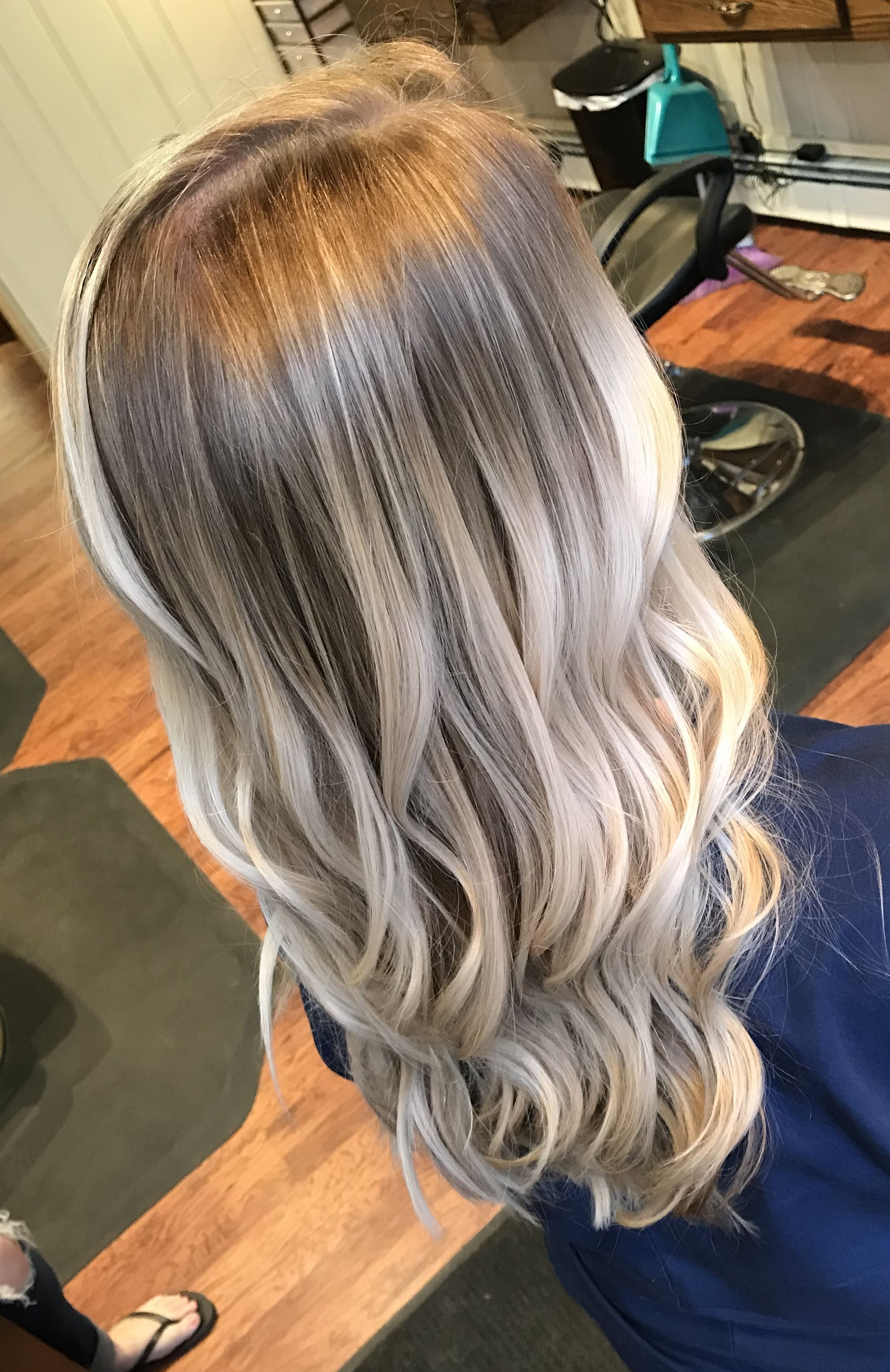 Ash Blonde Root Smudge Hair Color Blonde Roots Ash Blonde Hair Colour Blonde Hair Color