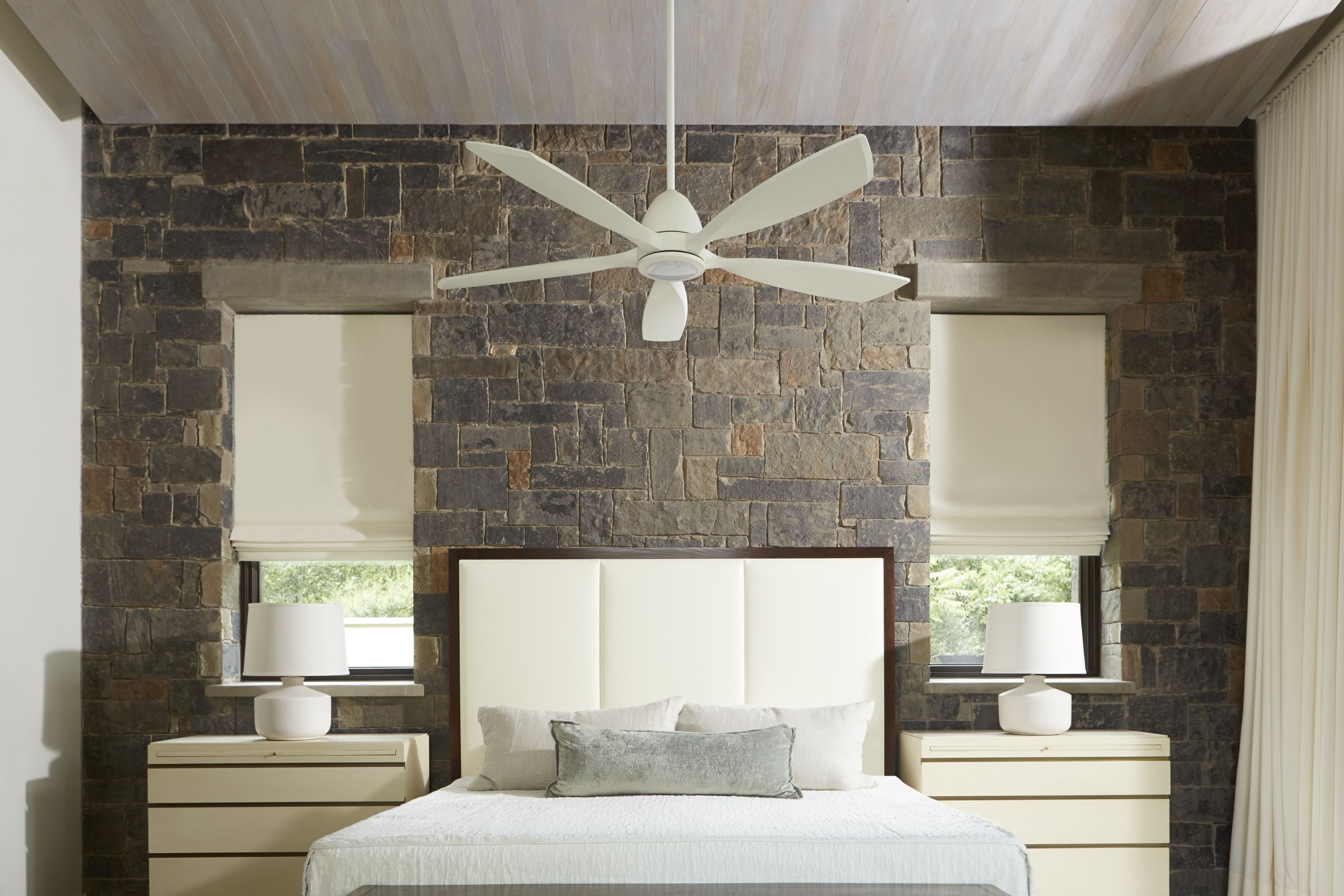 "Quorum Holt 56"" 5 Blade LED Indoor Ceiling Fan in Studio White"