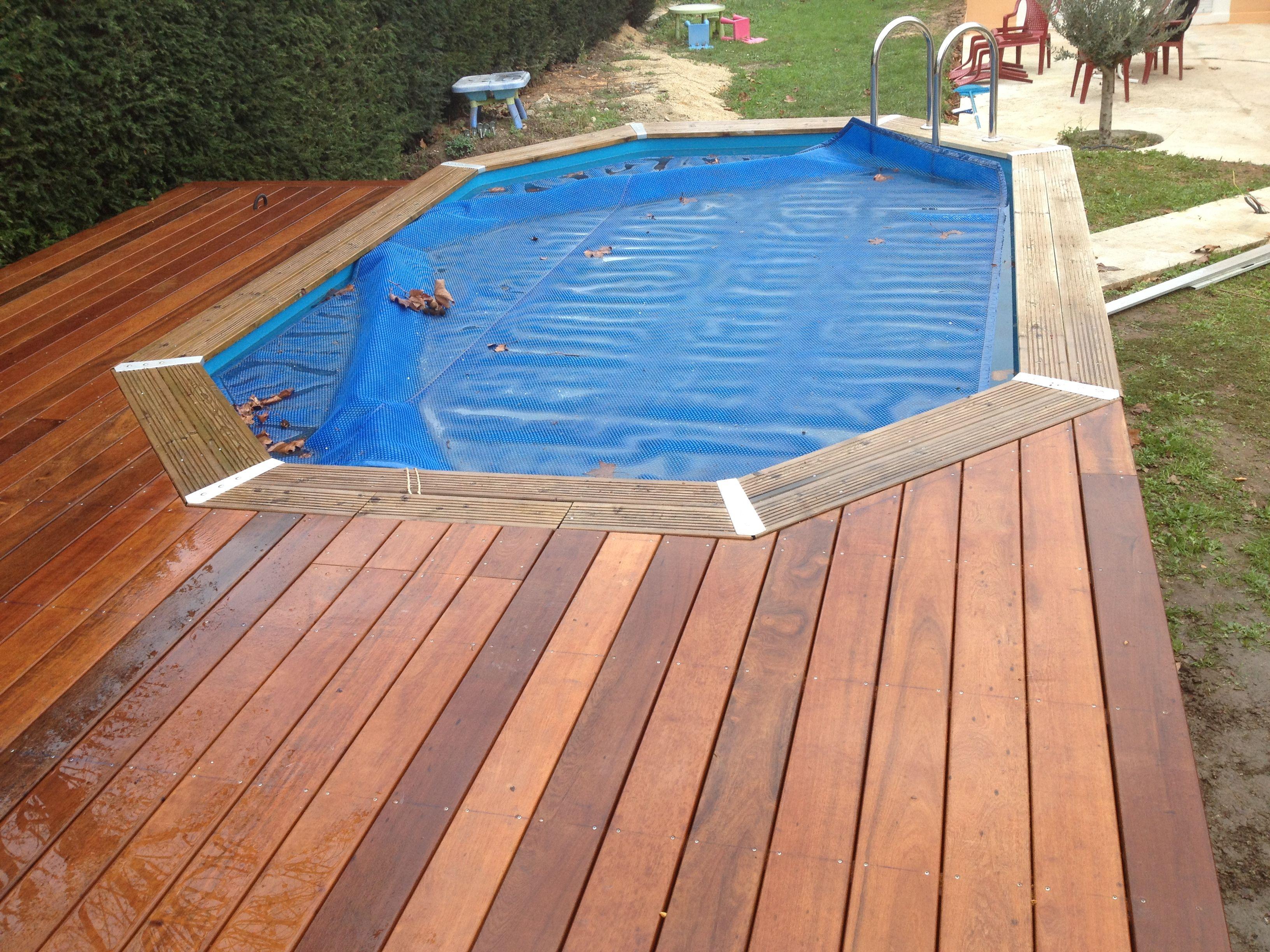 Plage de piscine pour piscine hors sol en bois exotique for Piscine en teck hors sol