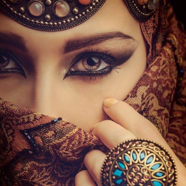 Ivanbliznetsov Woman Eyes East Fashion Veil Arabic Indian