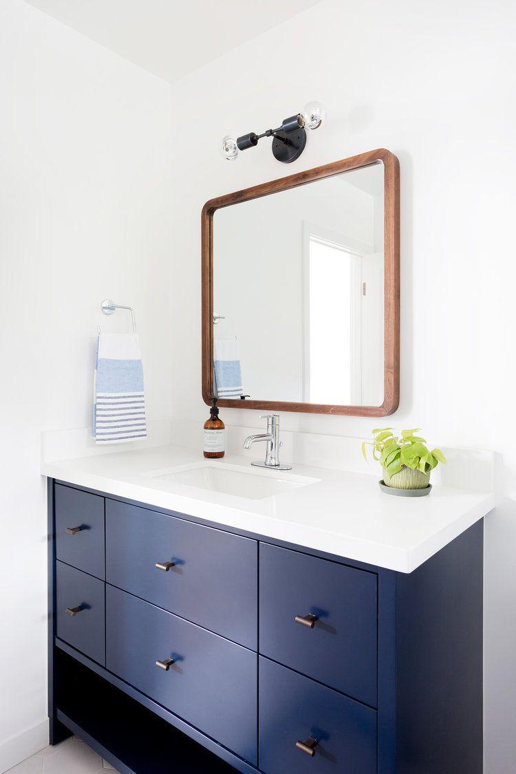 The Navy White Bathroom Fouta Bath Collection Via Serena Lily Image Via Carly Waters Sty Modern Style Bathroom Blue Bathroom Vanity Beautiful Bathrooms [ 1125 x 750 Pixel ]