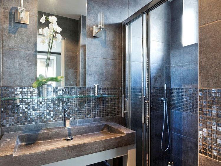 Une mosaïque en crédence salle de bain Pinterest Crédence