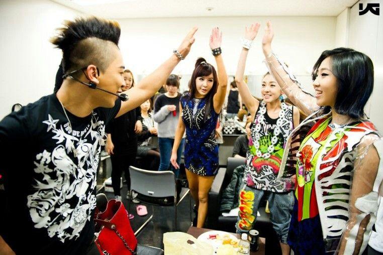 PopinSe7en: [PIC] YG Family Concert 2010 Backstage photo