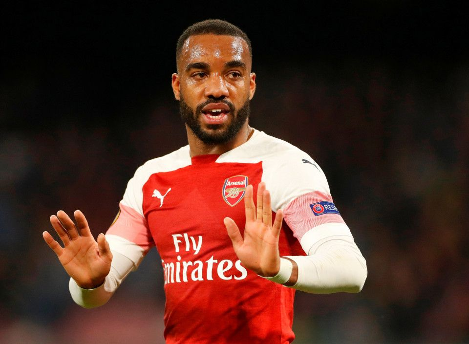 Lacazette Bags The Crucial Goal But Maitland Niles Let Off By Napoli S Lack Of Clinical Edge In Arsenal Win Arsenal Laurent Koscielny Arsenal Players
