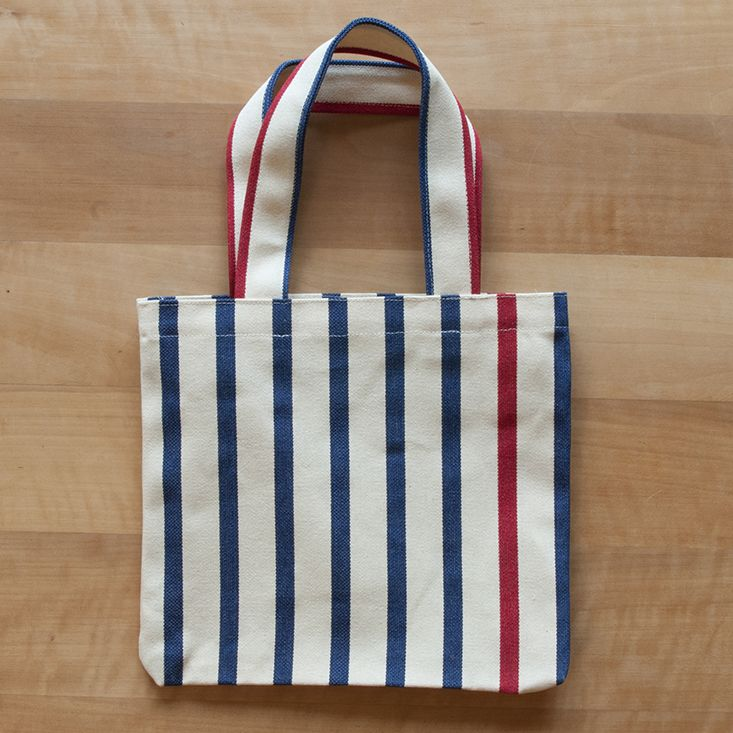 Bottle bag for 2 bottles. 100% cotton. 22x25 cm. Handmade in Switzerland an France. Colors: Marseillaise - beige, blue, red