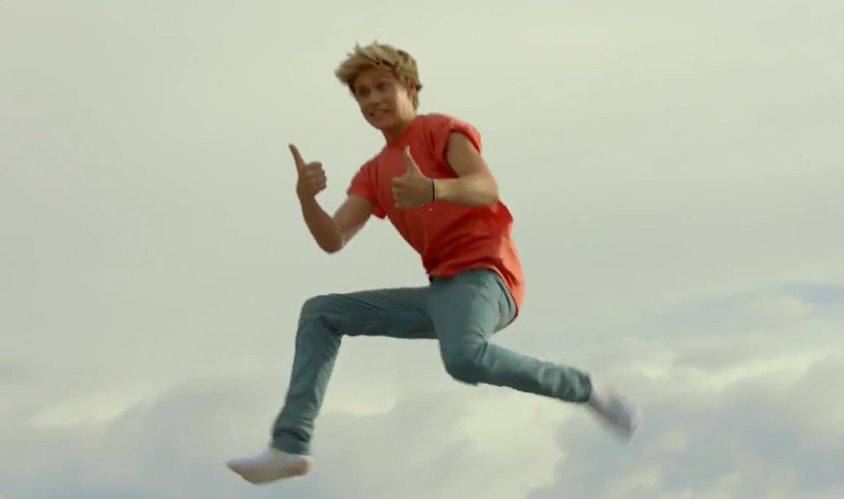 Niall jumping 10+ feet in the air | One direction live, To ...