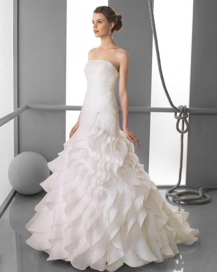 164 FORTUNATA / Wedding Dresses / 2013 Collection / Alma Novia (Shown without Halter-Neck Bolero)