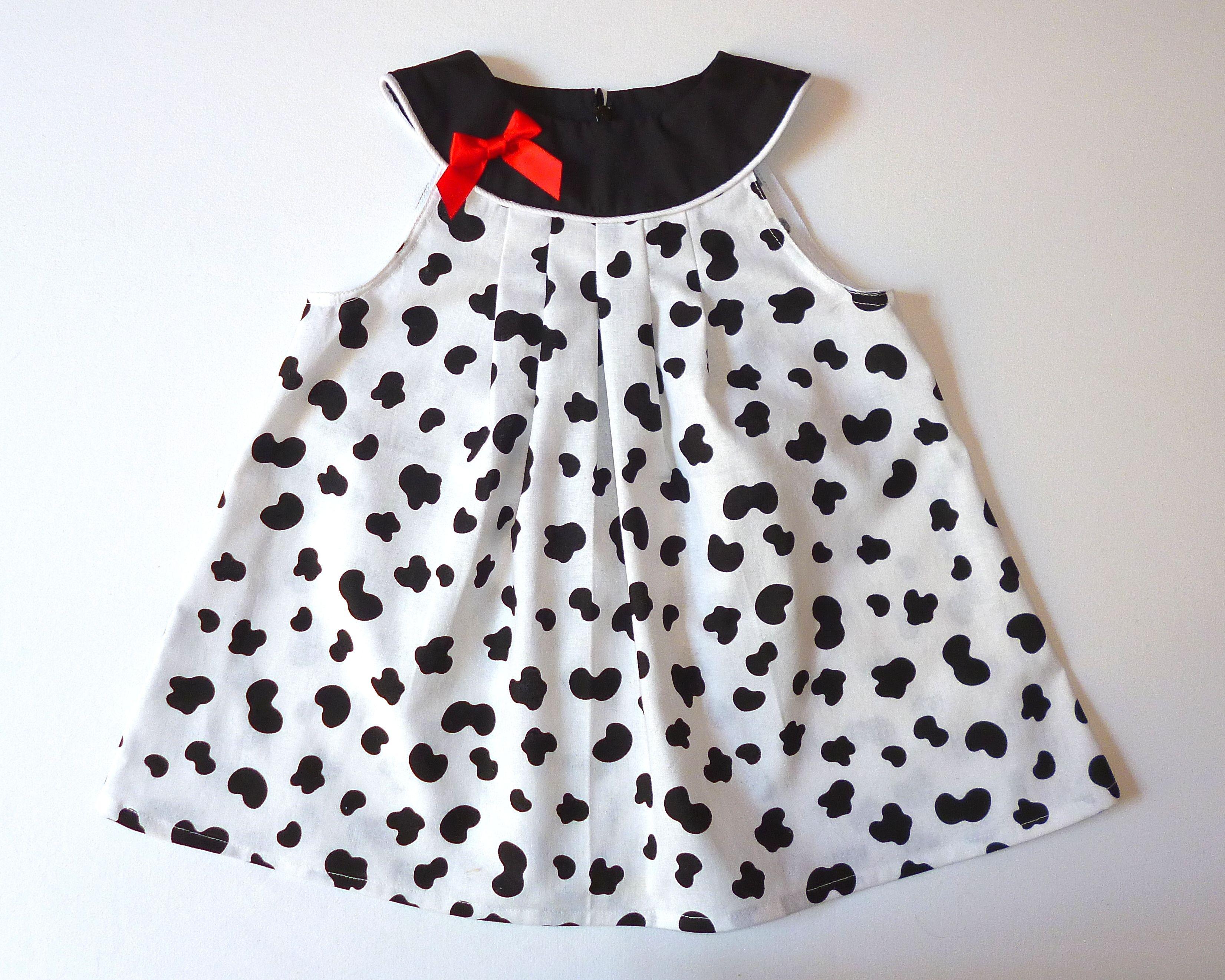 Robe noire et blanche bebe