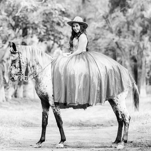 #misquince #sweet15 #amazing #vestido #mis15años #15años #xvaños #XV #magazine #revista #horses #horse #caballos #cowboywoman #vaquerastyle #cowboygirl #caballos #magazine