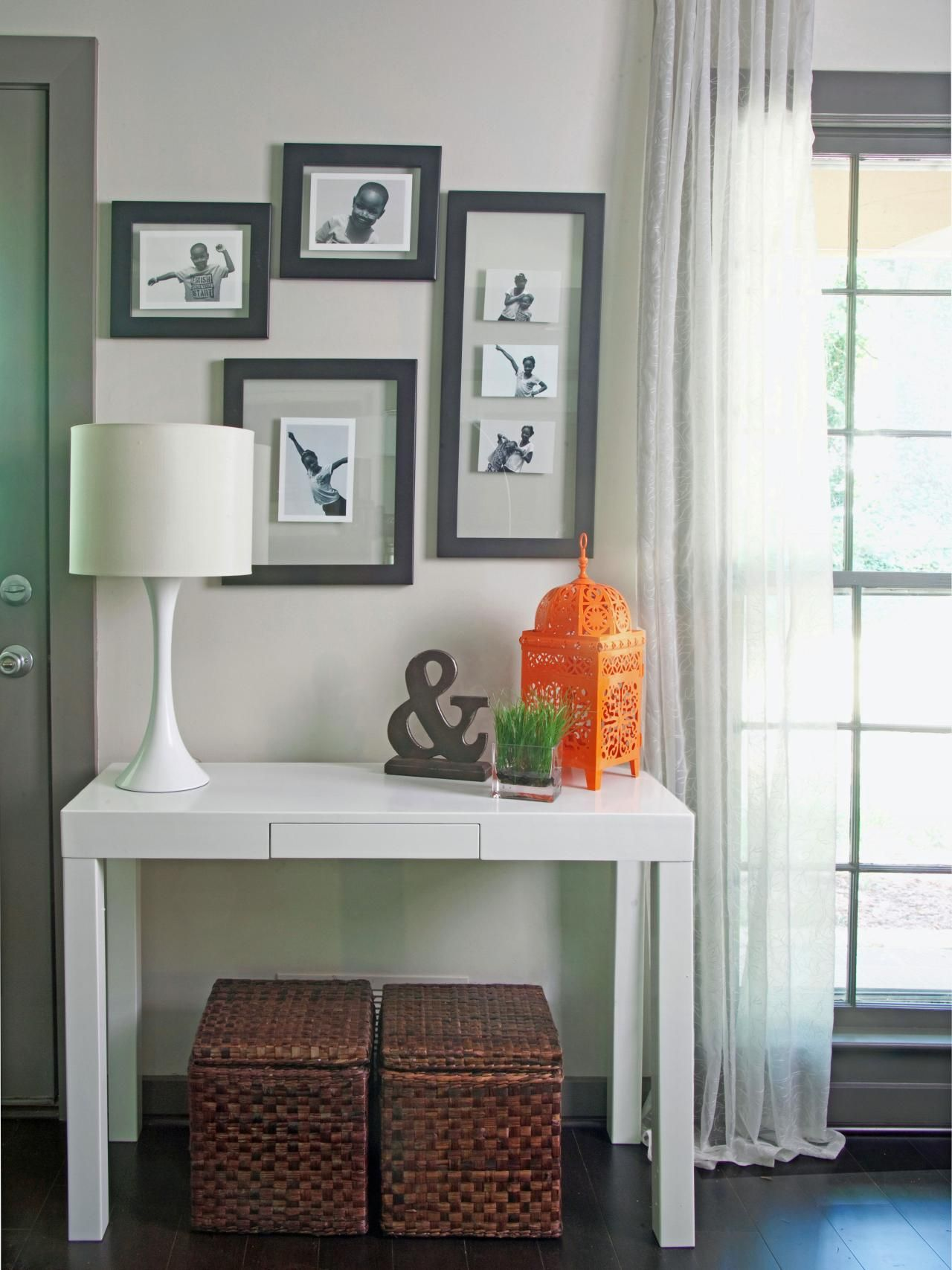 White Entryway Table   Brands Of White Mist May Develop Into A Wooden Entryway  Table Placing Vessels On The Surface. Prevent These White Markings Covering  ...