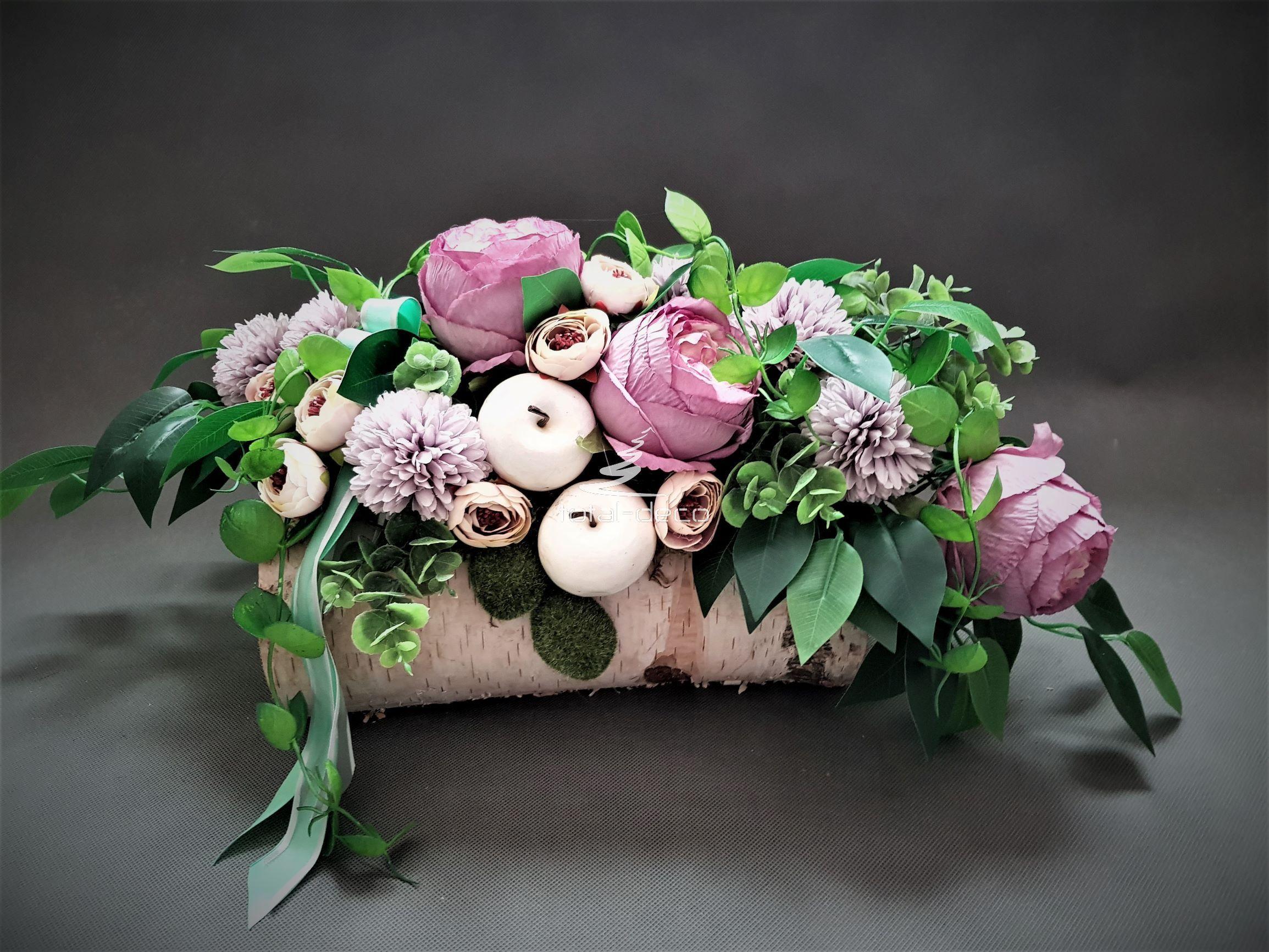 Kompozycja Ze Sztucznych Kwiatow Na Pomnik In 2020 Flower Decorations Funeral Flowers Floral