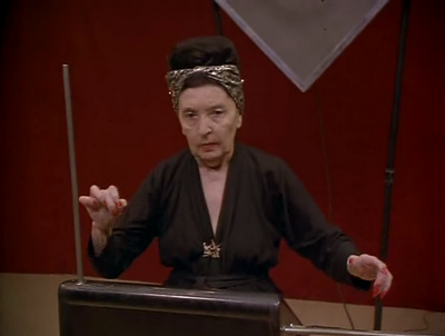 RUSIA. Clara Rockmore (9 marzo 1911 hasta 10 mayo 1998 ) virtuosA ejecutante del theremin , un instrumento musical electrónico .