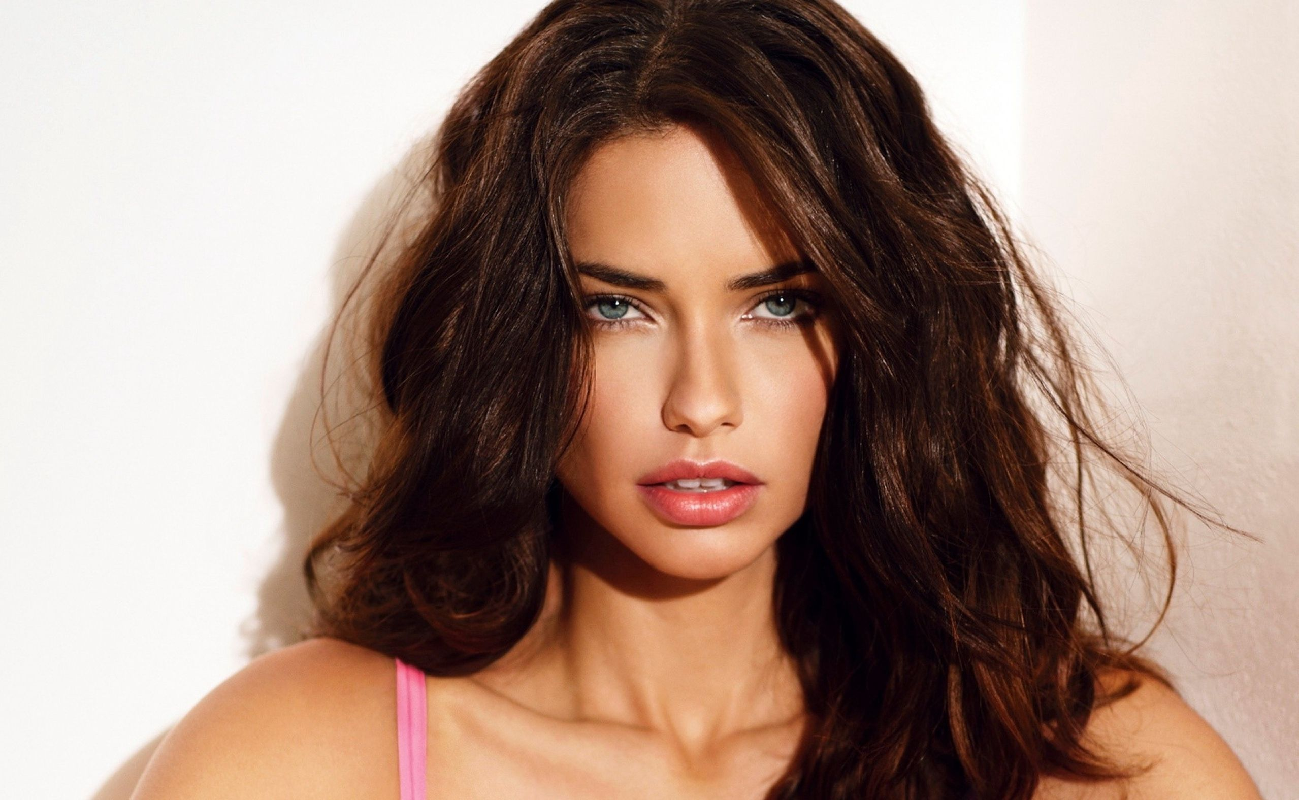 Adrianalimawallpaperfrommetacafe 1024768 adrianalimawallpaperfrommetacafe 1024768 photographyl kinds ofem pinterest adriana lima wallpaper adriana lima and lima voltagebd Image collections