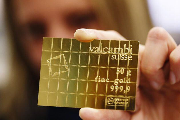 Gold Bars That Can Be Broken Like Chocolate Divisible Gold Combibar Can Easily Be Broken Into One Gram Pieces And U Gold Disaster Preparedness Gold Money