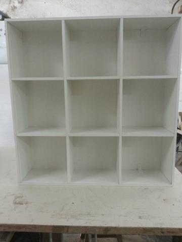 a8ec89b3f48b Nichos em Mdf Branco feito sob encomenda para armazenar toalha ideal para  estética, salão de