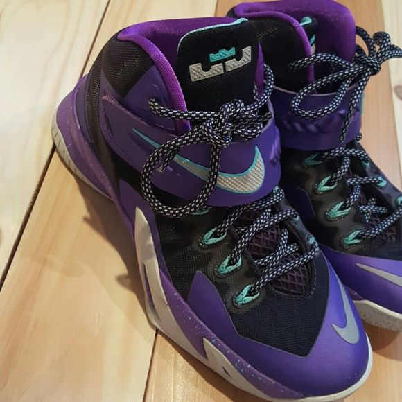 Youth Girls Nike Lebron James