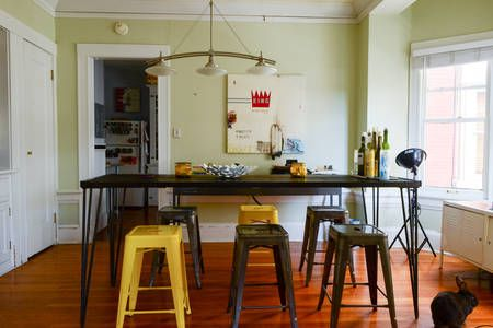 Check out this awesome listing on Airbnb: Deluxe Appointed Vintage Flat NW  in Portland