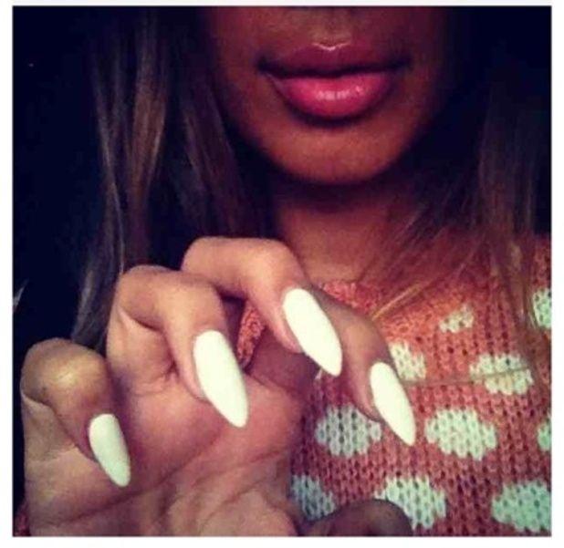 Kardashian Nails | Khloe Kardashian Nails Instagram That\'s Kim in ...