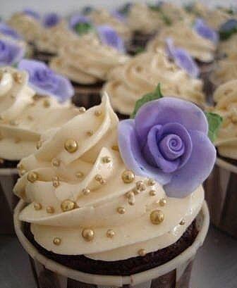 pearls cupcakes