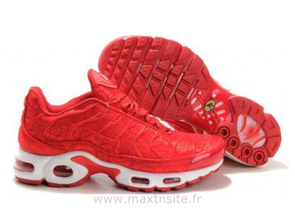 timeless design 9bdff c5bc9 Chaussures de Nike Air Max Tn Requin Femme Rouge Baskets Tn