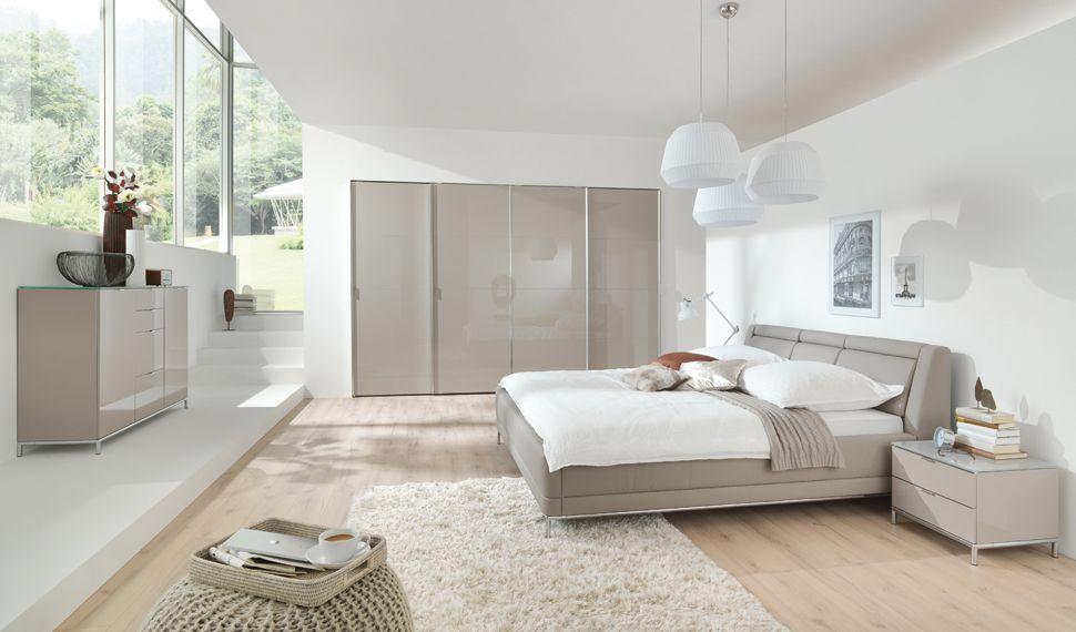 Schlafzimmer Swarovski ~ Das bild zeigt ein chiraz schlafzimmer komplett weiß hochglanz mit
