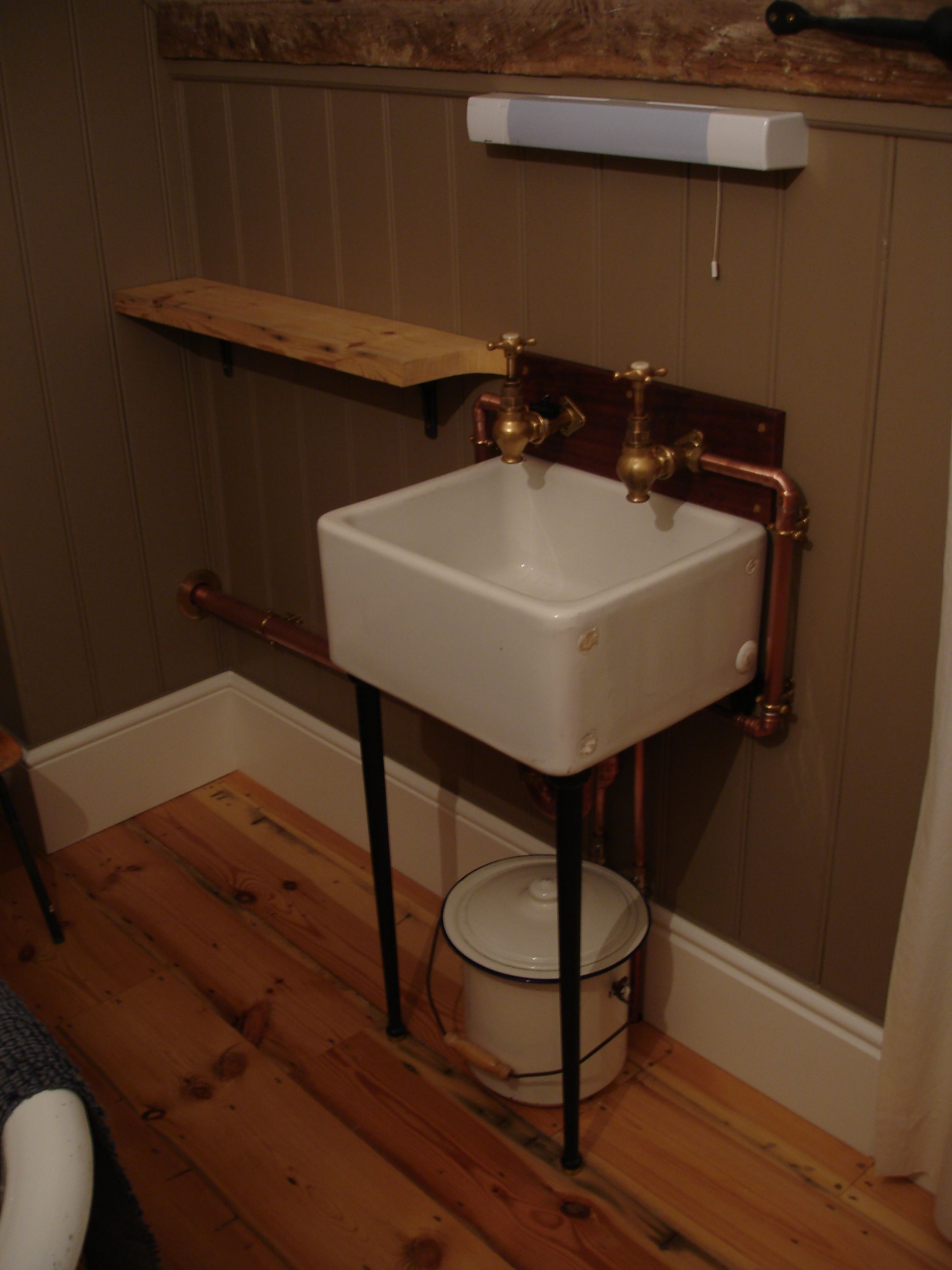 Mini belfast sink globe taps copper piping french for Bathroom ideas belfast