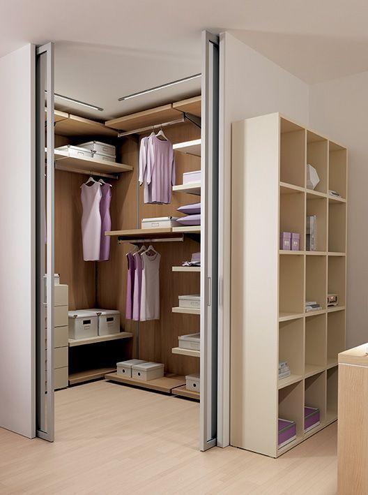 Cabina armadio attrezzata con boiserie store ripiani for Ikea catalogo cabine armadio